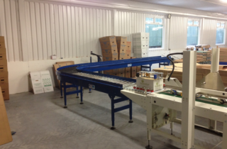500mm-Wide-Powered-Roller-Conveyor02